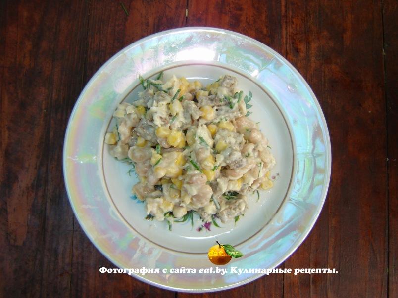 Рецепт салата с сухариками фасолью и колбасой рецепт с пошагово