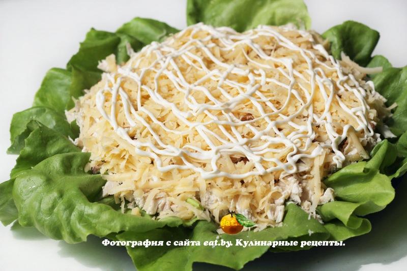 простые рецепты салатов с курицей и сухариками