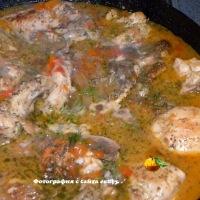 Чахохбили (курица, тушеная с помидором и луком)