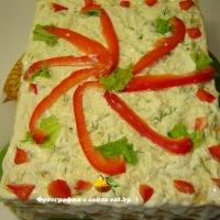 Слоеный тортик с консервированной горбушей