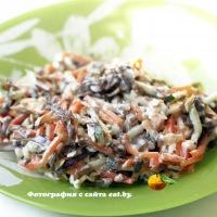 Салат с морковью и морской капустой
