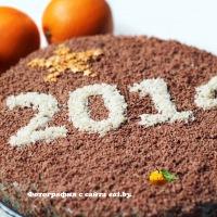 Слоеный торт со сгущенкой, орехами и маком