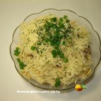 Салат из макарон и помидора