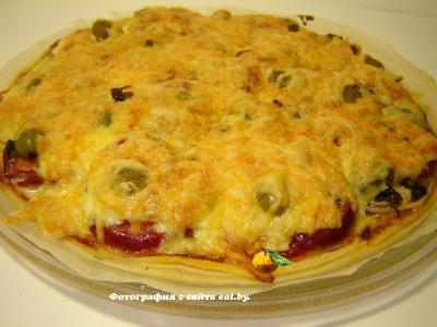фото Пицца с салями и грибами
