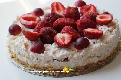 Торт с клубникой (без выпечки)