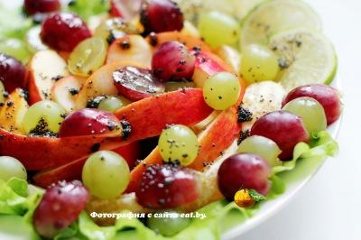 фото Фруктовый салат с лаймом, медом и маком