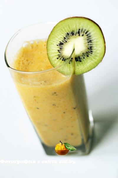 фото Цитрусовый смузи с киви и бананом