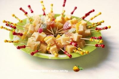 фото Канапе с мармеладом, лимоном и сыром