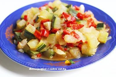 Нежное рагу из кабачков и болгарского перца
