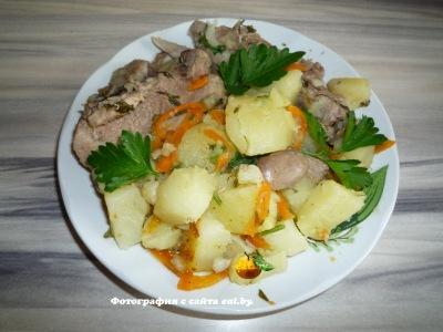 фото Тушеный картофель с ребрышками