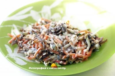 фото Салат с морковью и морской капустой