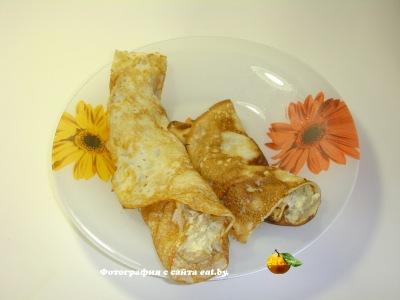 Блинчики с яйцом и сметаной
