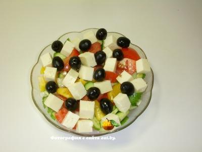 Греческий салат (с брынзой и помидором)